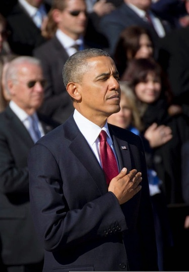 President_Barack_H._Obama_attends_a_Veterans_Day_ceremony_at_Arlington_National_Cemetery_in_Arlington,_Va.,_Nov._11,_2013_131111-D-HU462-194
